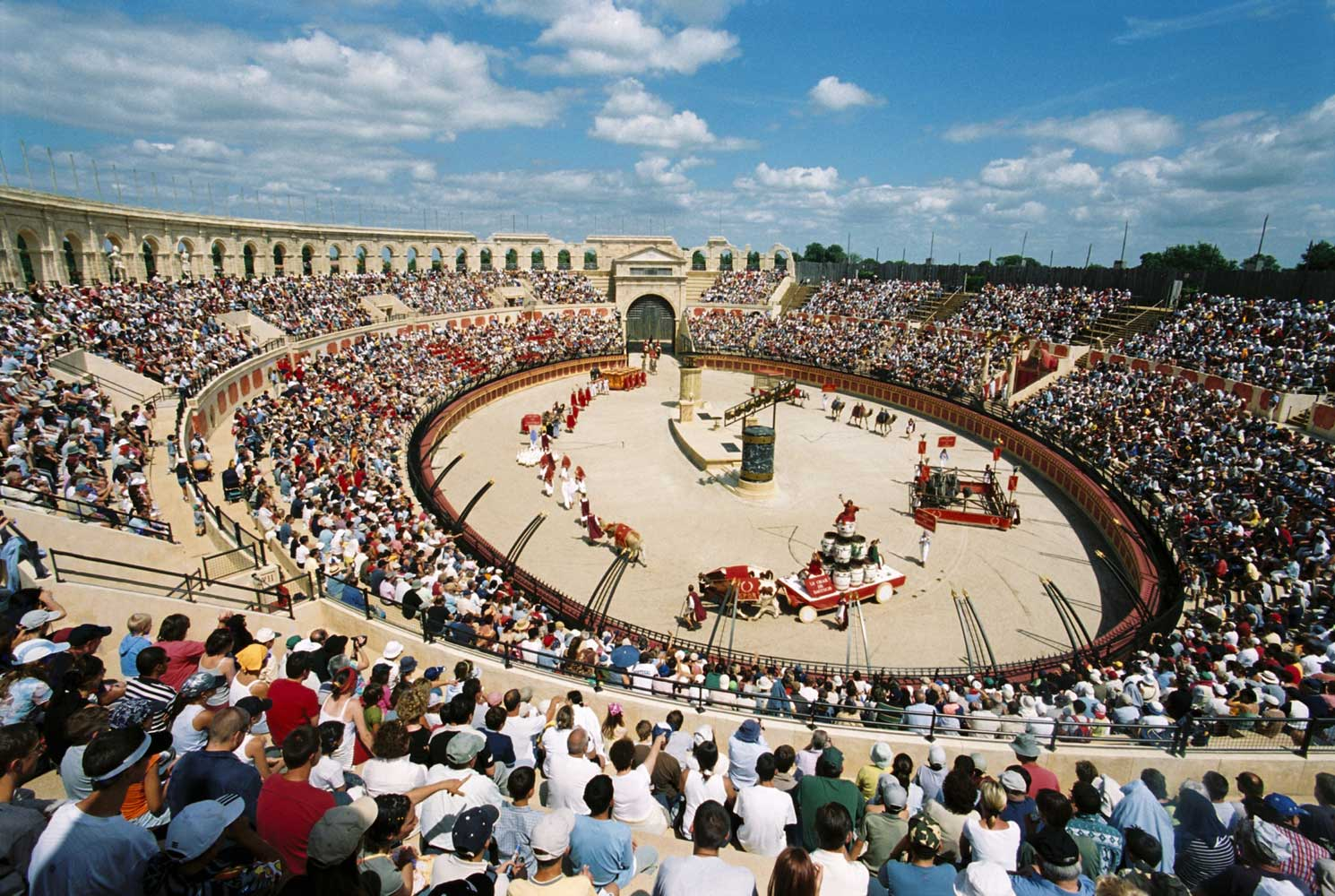 puy du fou invests 30m in new attractions interpark. Black Bedroom Furniture Sets. Home Design Ideas