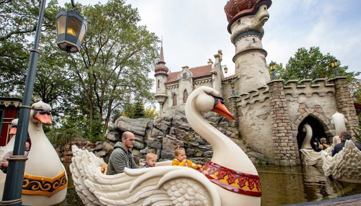 The Six Swans opens at Efteling