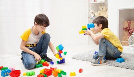 Legoland California invite children to take part in a 'Legoland Building Challenge'