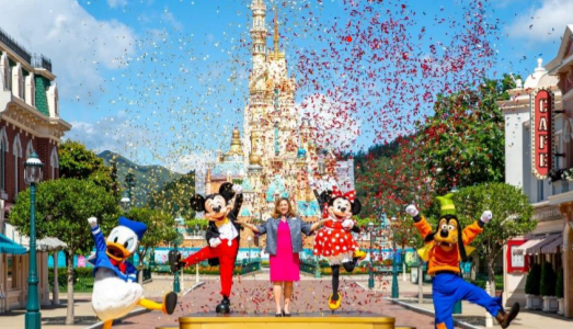 Hong Kong Disneyland opens its doors to the public