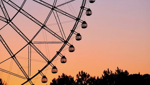 Yomiuriland invites guests to work remotely from a Ferris wheel