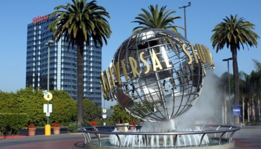 Universal Studios Hollywood to hire 2,000 additional staff for the summer